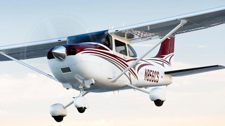 Flying Aeroplanes